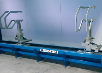 Inverted-power-and-free-conveyor